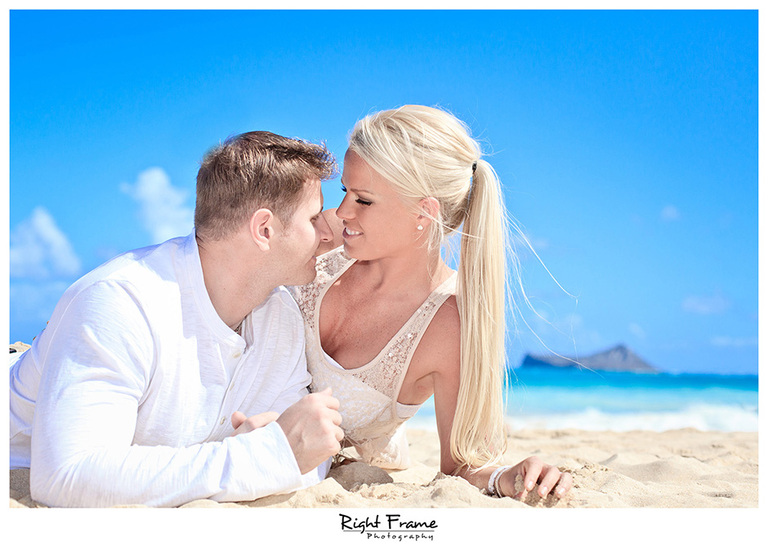003_Oahu_Engagement_beach_photography