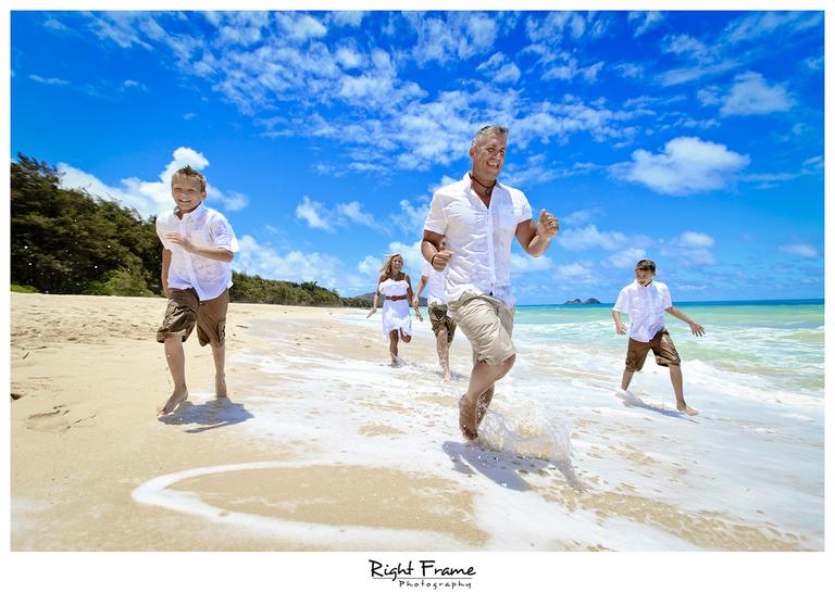 004_Oahu_Family_Portrait_on_the_beach