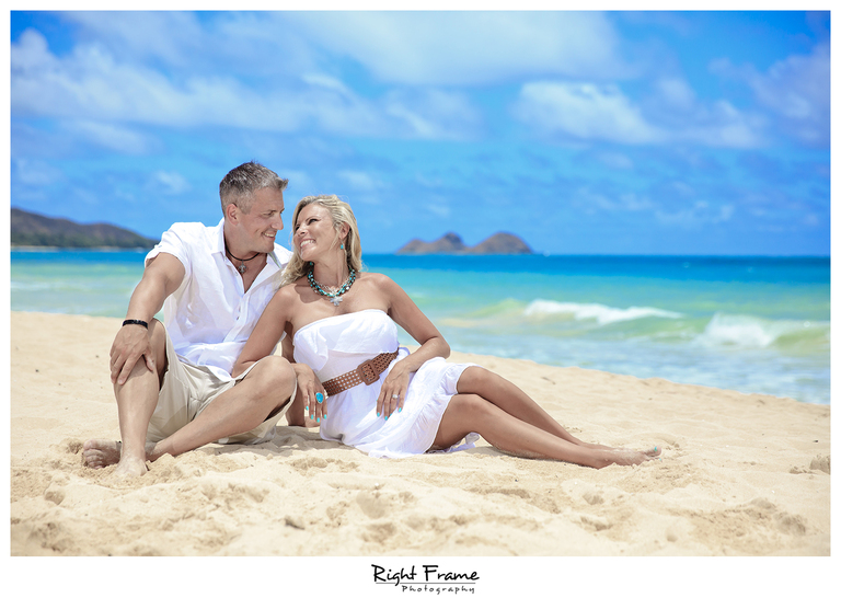 006_Oahu_Family_Portrait_on_the_beach