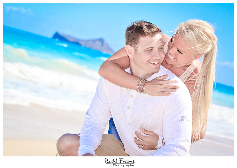 007_Oahu_Engagement_beach_photography