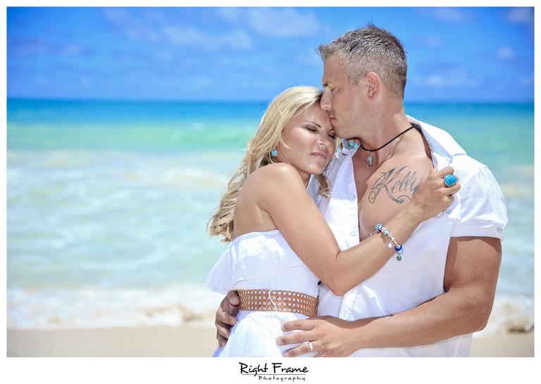 007_Oahu_Family_Portrait_on_the_beach