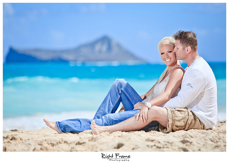 009_Oahu_Engagement_beach_photography