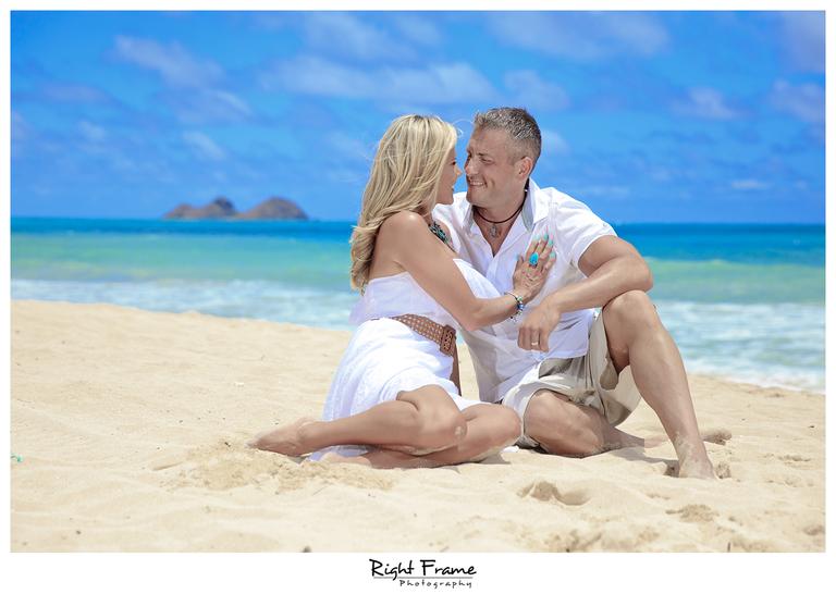 009_Oahu_Family_Portrait_on_the_beach