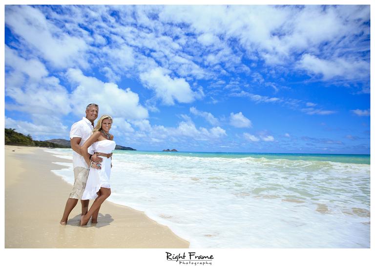 011_Oahu_Family_Portrait_on_the_beach