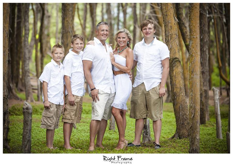 012_Oahu_Family_Portrait_on_the_beach