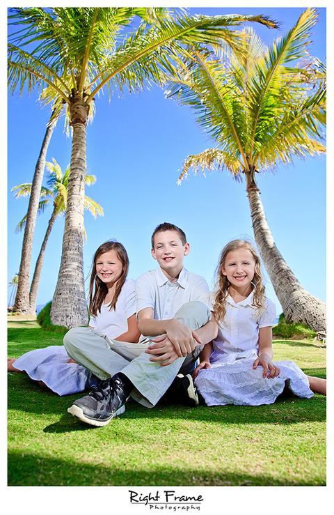 014_Family_Beach_Photographer_in_Honolulu_kahala_Beach