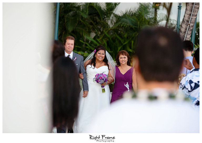 022_Hawaii_Wedding_Photographers_Oahu_moana_surfrider