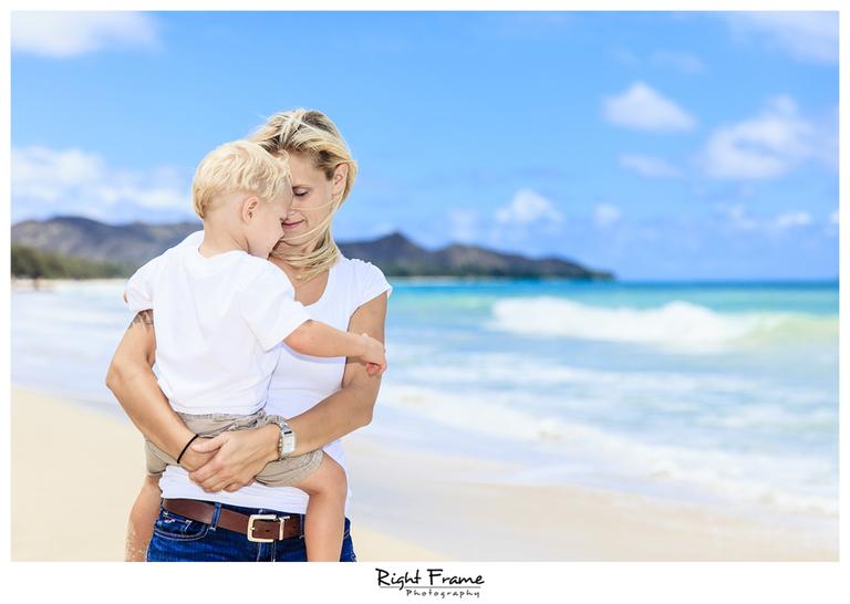 099_honolulu_family_portraits_waikiki__resize