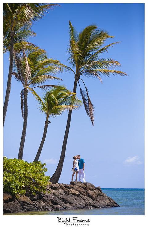002_Oahu_wedding_photographers_Kahala_Beach