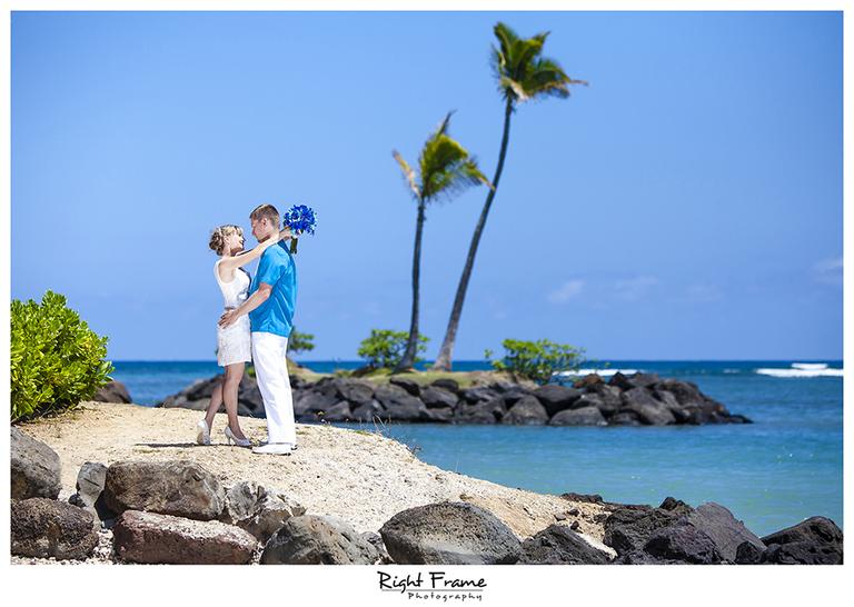 003_Oahu_wedding_photographers_Kahala_Beach