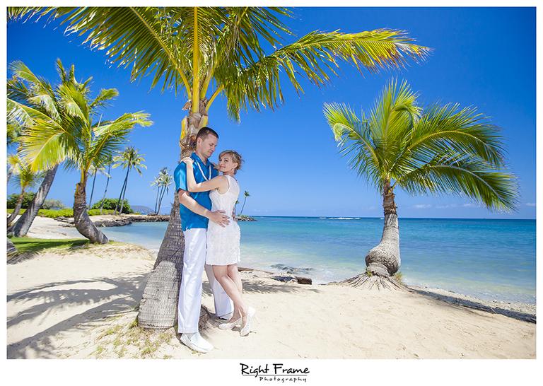 005_Oahu_wedding_photographers_Kahala_Beach