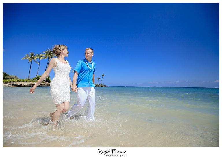 010_Oahu_wedding_photographers_Kahala_Beach