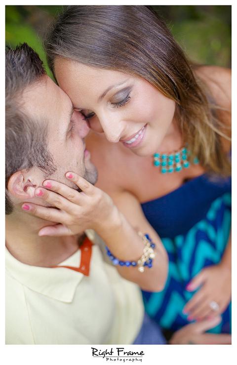 002_Couple_Photographer_in_Honolulu_Hawaii