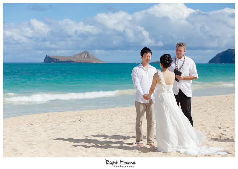 060_wedding photographers in oahu hawaii