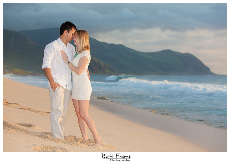 016_oahu engagement photographer