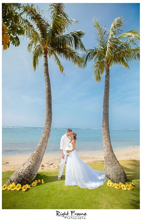 108_Kahala Beach Wedding oahu photographer