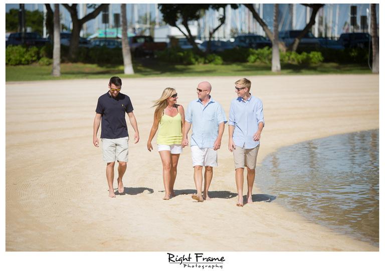 Waikiki Photographers Beach Family Photos