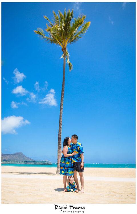 Family Portraits in Hawaii WAIKIKI BEACH