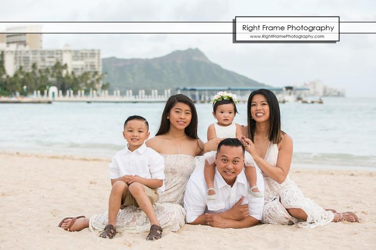 Oahu Family Portraits near Ilikai Hotel Waikiki Beach