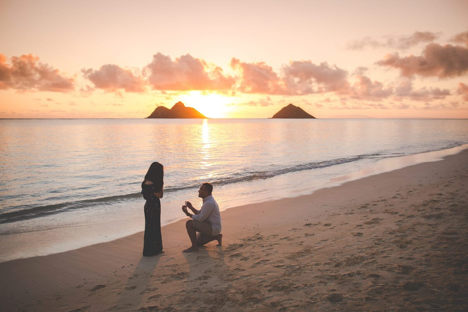 Waikiki Honolulu Oahu Engagement Proposal Photographer in Hawaii