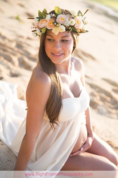 Hawaii Beach Maternity Portraits