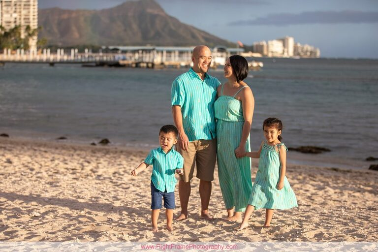 Waikiki beach family photography on Oahu