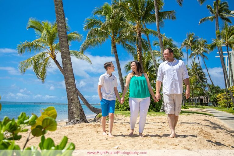 Spring Break Photography in Hawaii Kahala Beach Park Family Session
