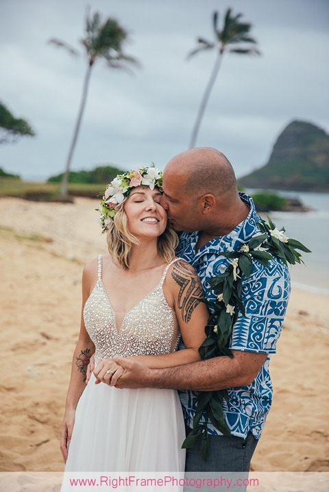 Wedding Pictures At Kualoa Beach Park