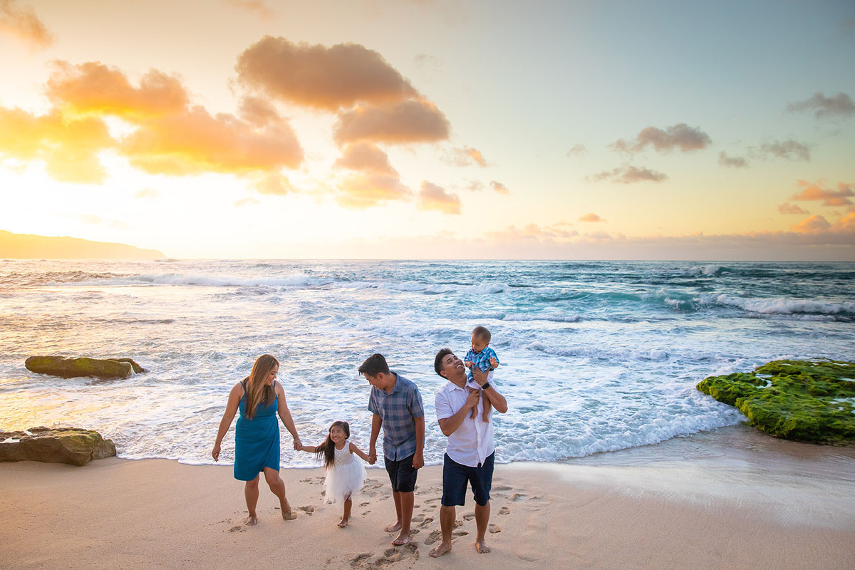 Sunset Candid Photo Shoot Oahu Beach Family Photographer Hawaii