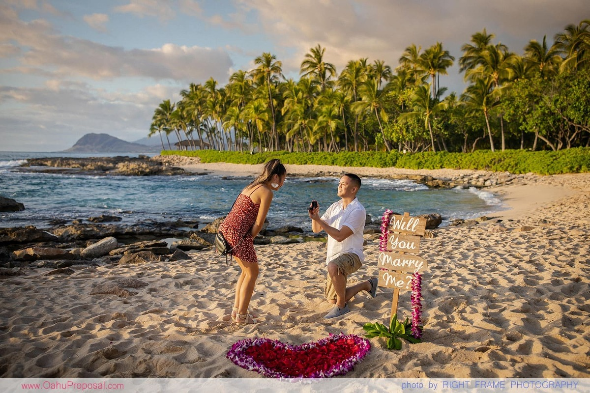 Oahu Proposal Photographer Secret Beach Koolina